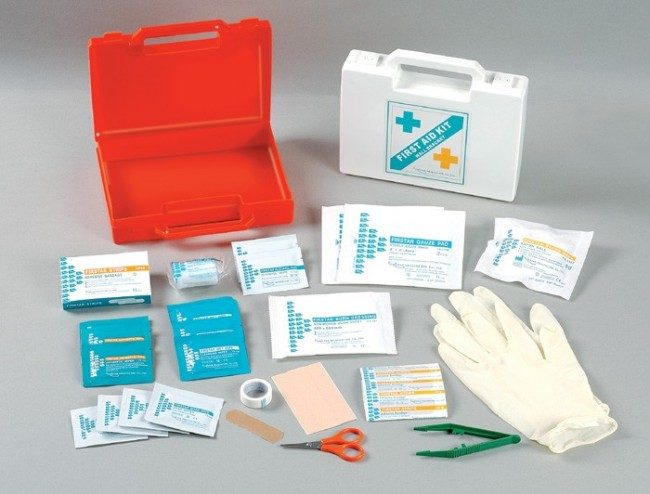 8 Must-haves in your first aid kit